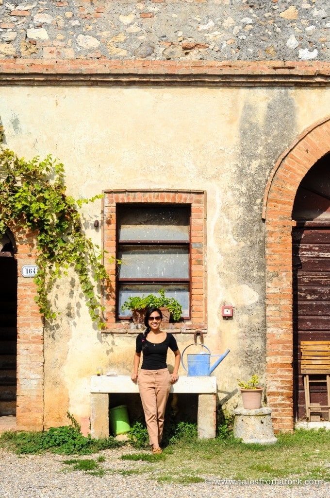 Exploring organic gardens with Carmen and cooking slow food with Loredana at Spannochia Farm in Italy (by www.fromlusttilldawn.com)
