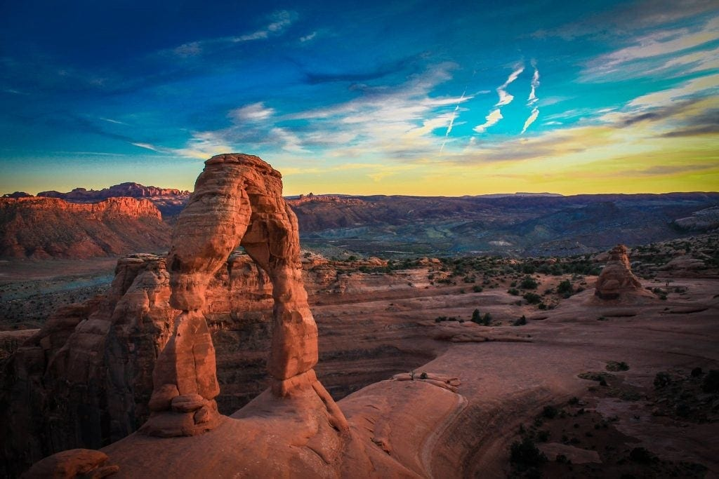 https://www.pexels.com/photo/landscape-arches-delicate-arch-national-park-28051/