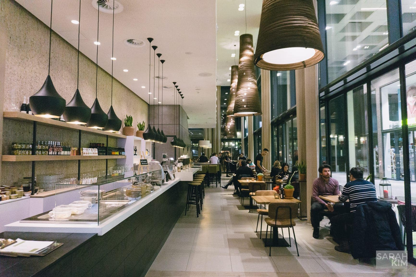 Need a place to eat in Amsterdam Zuid? Check out Element Hotel's Gordal Spanish tapas restaurant.