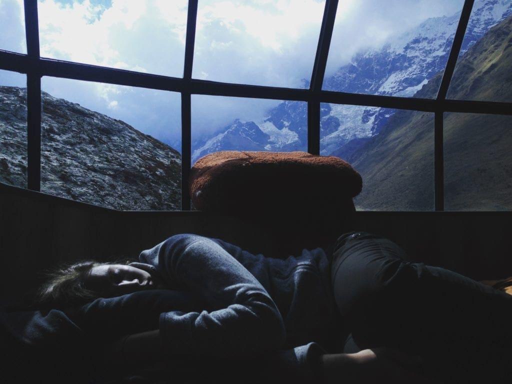 Get a good sleep while traveling with fibromyalgia