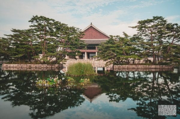 Paying a visit to Gyeongbokgung Palace is one of the best things to do in Korea