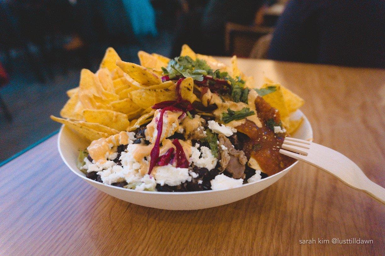 gluten free nachos at de foodhallen amsterdam gluten vrij nederland salsa chips beans cheese tortilla chips cilantro