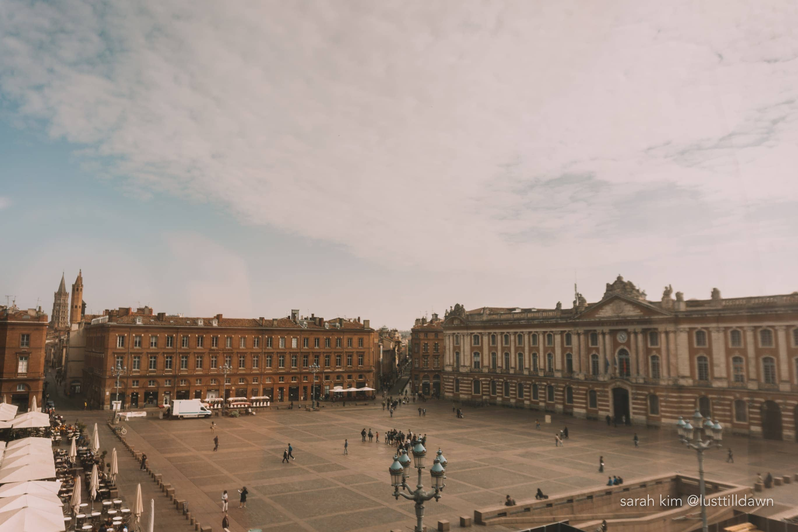 view from crowne plaza hotel toulouse capitole plaza