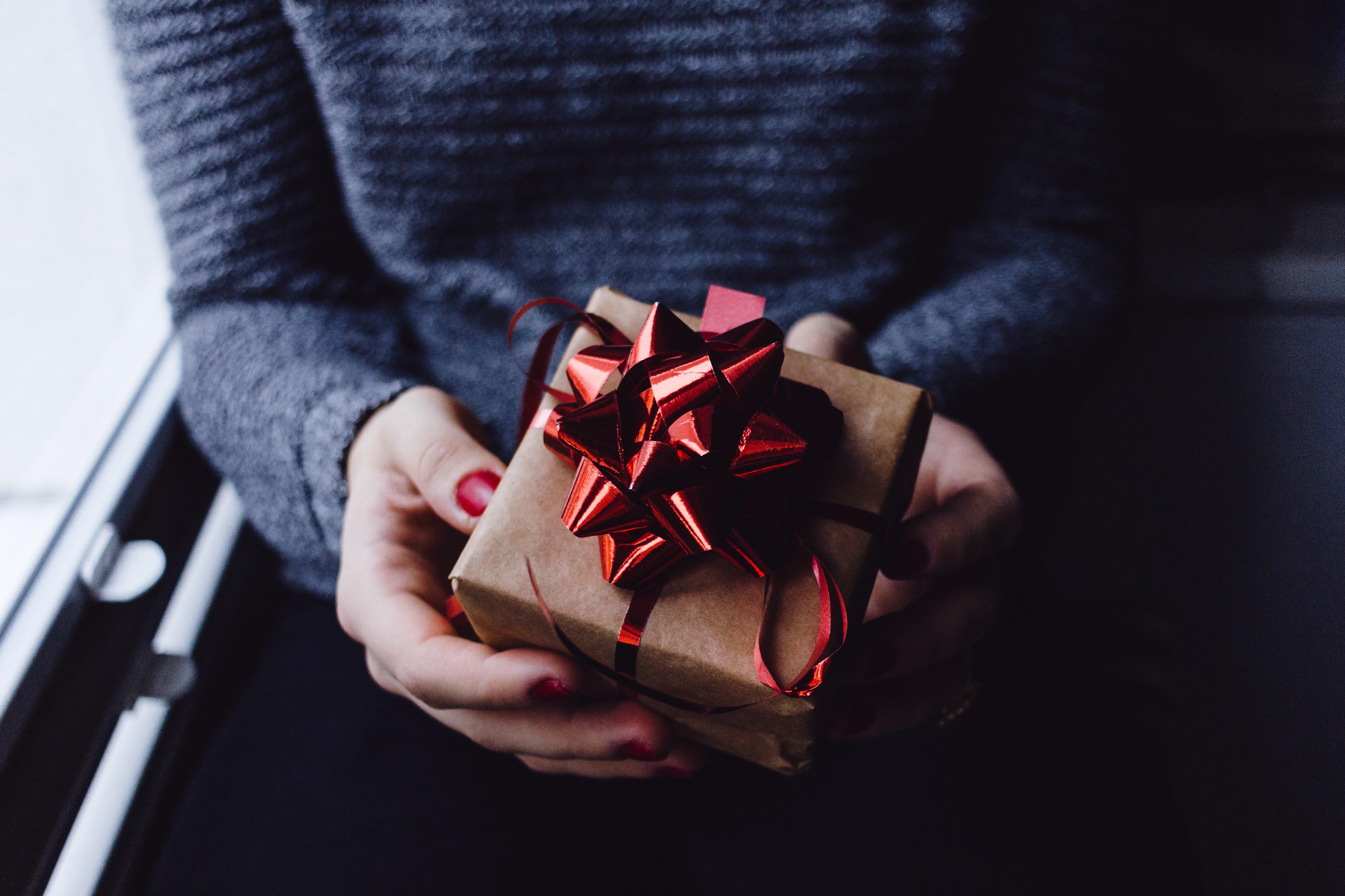gifting in japan